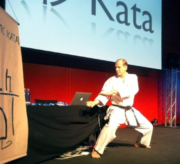 Coding Kata Keynote illustrated with Karate Kata